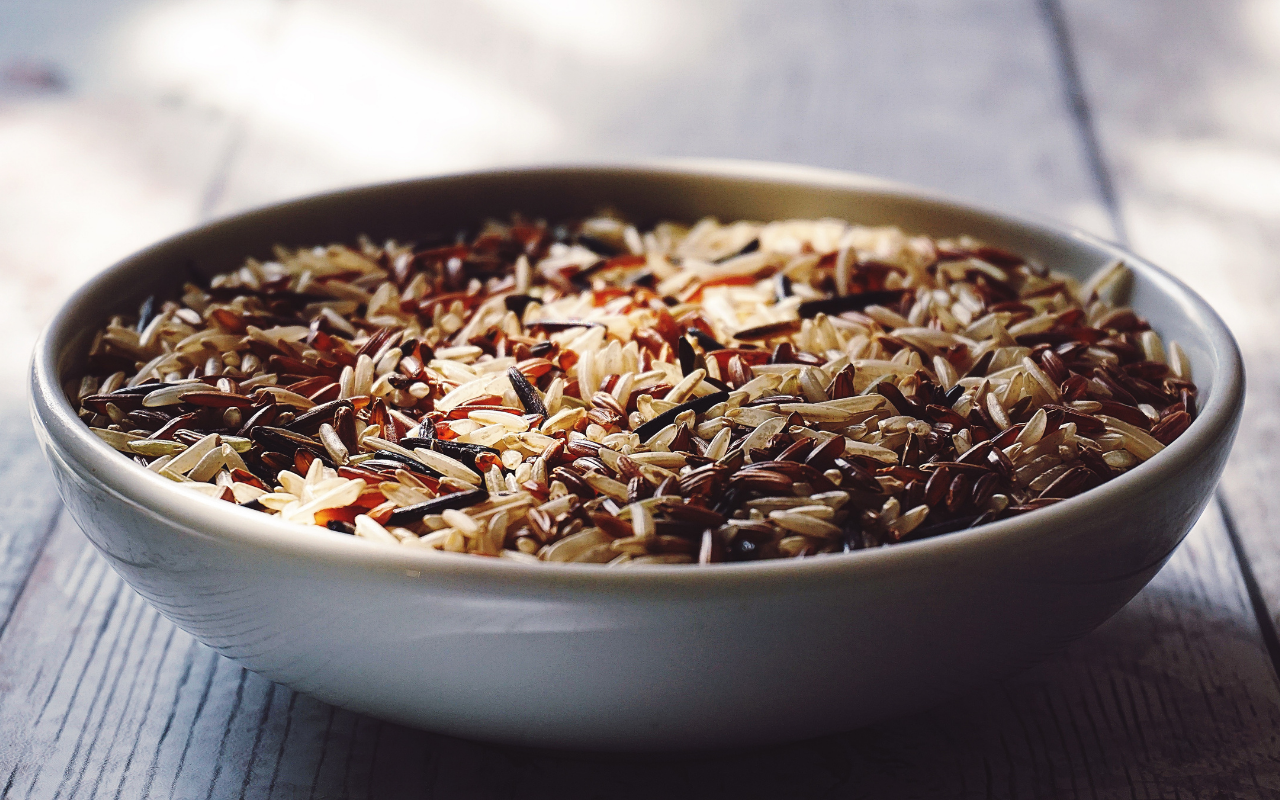 cooked brown rice in bowl